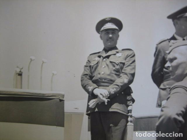 FOTOGRAFÍA FRANCO CAPITÁN GENERAL DE AVIACIÓN. CONCENTRACIÓN AÉREA BARAJAS 1939 (Militar - Fotografía Militar - Guerra Civil Española)
