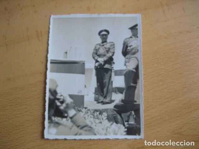 Militaria: Fotografía Franco capitán general de aviación. Concentración aérea Barajas 1939 - Foto 2 - 63756163