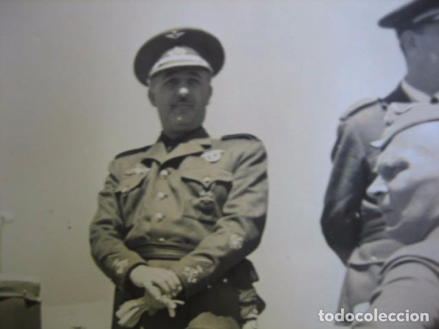Militaria: Fotografía Franco capitán general de aviación. Concentración aérea Barajas 1939 - Foto 3 - 63756163