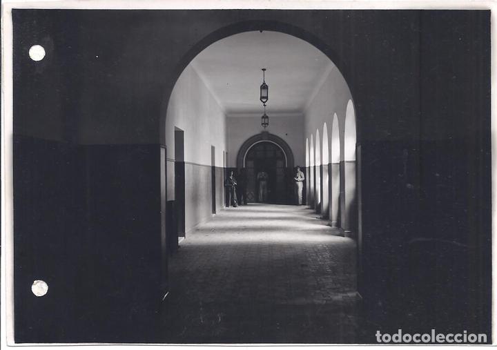 FG038 GUERRA CIVIL - VISTA DE GALERÍA DE CUARTEL DE MILICIAS EN SEVILLA (Militar - Fotografía Militar - Guerra Civil Española)