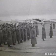 Militaria: FOTOGRAFÍA SOLDADOS AVIACIÓN. FIAT G.50 ITALIANOS FRECCIA. Lote 64083279
