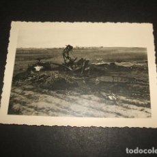 Militaria: SEVILLA AERODROMO DE TABLADA AVION ACCIDENTADO FOTOGRA POR SOLDADO ALEMAN LEGION CONDOR GUERRA CIVIL. Lote 64841387