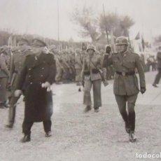 Militaria: FOTO EJÉRCITO ESPAÑOL.. PARADA MILITAR. AÑOS 40-50. Lote 64853307