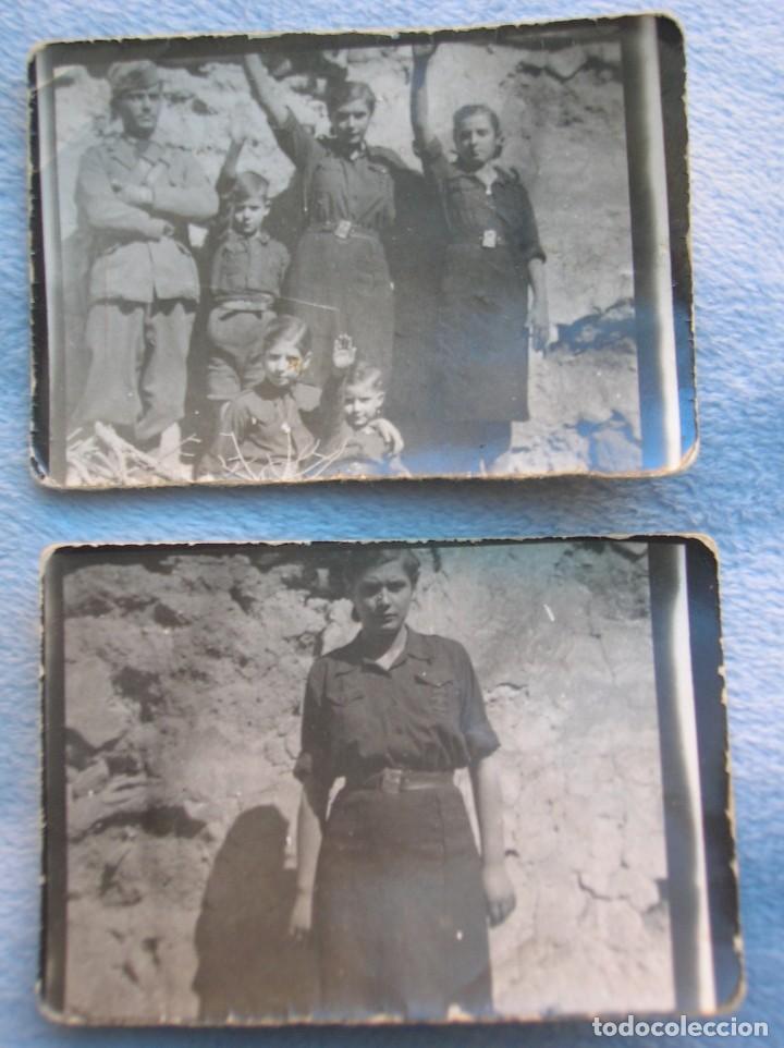 RARO LOTE DE FOTOS DE FALANGISTAS CON UN SOLDADO DEL CTV ITALIANO. BATALLA DE GUADALAJARA. FALANGE. (Militar - Fotografía Militar - Guerra Civil Española)