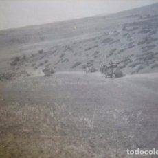 Militaria: FOTOGRAFÍA CARAVANA CAMIONES DEL EJÉRCITO ESPAÑOL. GUERRA DE MARRUECOS. Lote 66272014