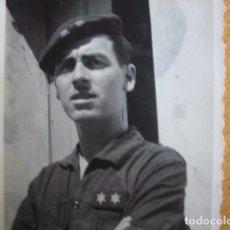 Militaria: FOTOGRAFÍA FALANGISTA TENIENTE PROVISIONAL DEL EJÉRCITO ESPAÑOL. VILLANUEVA DE LA SERENA 1939. Lote 68408785