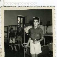 Militaria: FOTOGRAFÍA FALANGE : FRENTE DE JUVENTUDES - OJE , NIÑOS UNIFORMADOS, CORNETÍN DE ORDENES. Lote 68593965