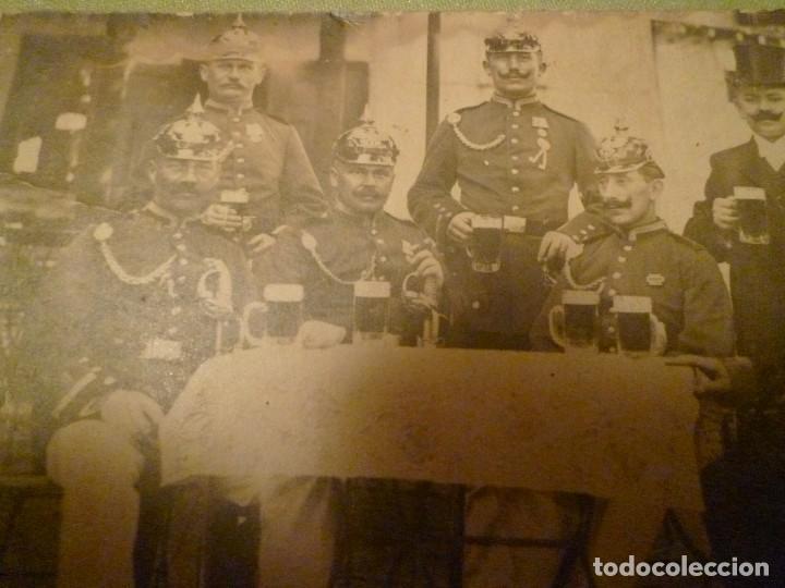 Militaria: DOS FOTOS ALEMANIA. 1 GUERRA MUNDIAL. OFICIALES CON PICKELHAUBE - Foto 2 - 68594153