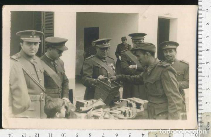 MILITAR FOTOGRAFÍA ENTREGA DE MEDALLAS (Militar - Fotografía Militar - Otros)