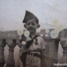 Militaria: FOTOGRAFÍA NIÑO SCOUTS-EXPLORADORES-OJE.. Lote 70254397