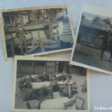 Militaria: DIVISION AZUL : LOTE DE 3 FOTOS DIVISIONARIO DE MILITAR ALEMAN Y CON CIVILES EN BERLIN, 1942.. Lote 74456751