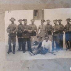 Militaria: FOTO ANTIGUA. GUARDIA CIVIL. EN PRUEBAS DE TIRO.GUERRA CIVIL.. Lote 76405177