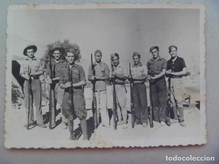 GUERRA CIVIL : FOTO DE GRUPO DE MILITARES Y MILICIANOS NACIONALES , 1938 (Militar - Fotografía Militar - Guerra Civil Española)