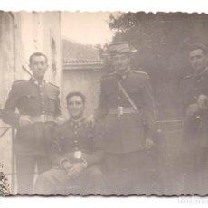 Militaria: FOTOGRAFÍA GUARDIAS CIVILES 10 X 7. Lote 79777173