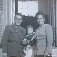 Militaria: FOTOGRAFÍA TENIENTE PROVISIONAL DEL EJÉRCITO ESPAÑOL. 1943. Lote 80387745