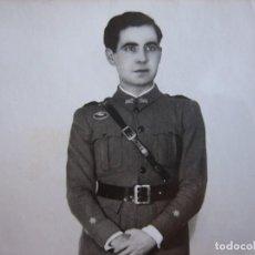 Militaria: FOTOGRAFÍA TENIENTE DEL EJÉRCITO ESPAÑOL. AMETRALLADORAS. Lote 80388533