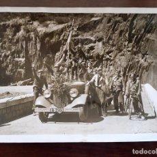 Militaria: EXCEPCIONAL FOTOGRAFIA DE LA GUERRA CIVIL - 1938 TROPAS NACIONALES EN FRONTERA FRANCESA PONT DU ROY. Lote 80447545
