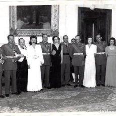 Militaria: FOTOGRAFÍA MILITARES ESPAÑOLES 25 X 18 CM - CARLOS KIRKPATRICK O'DONNELL CON OFICIALES, GENERALES. Lote 81116176