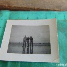 Militaria: FOTOGRAFIA GUERRA CIVIL REPUBLICANOS GUERRILLEROS MAQUIS ?? TORMOS HUESCA ENERO 1938 EMBALSE ARDESA. Lote 81737032