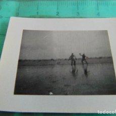 Militaria: FOTOGRAFIA GUERRA CIVIL REPUBLICANOS GUERRILLEROS MAQUIS ?? TORMOS HUESCA ENERO 1938 EMBALSE ARDESA. Lote 81737112