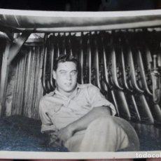 Militaria: ARMERIA MILITAR AMERICANO ANTIGUA FOTO II GUERRA MINDIAL 1945. Lote 81947264