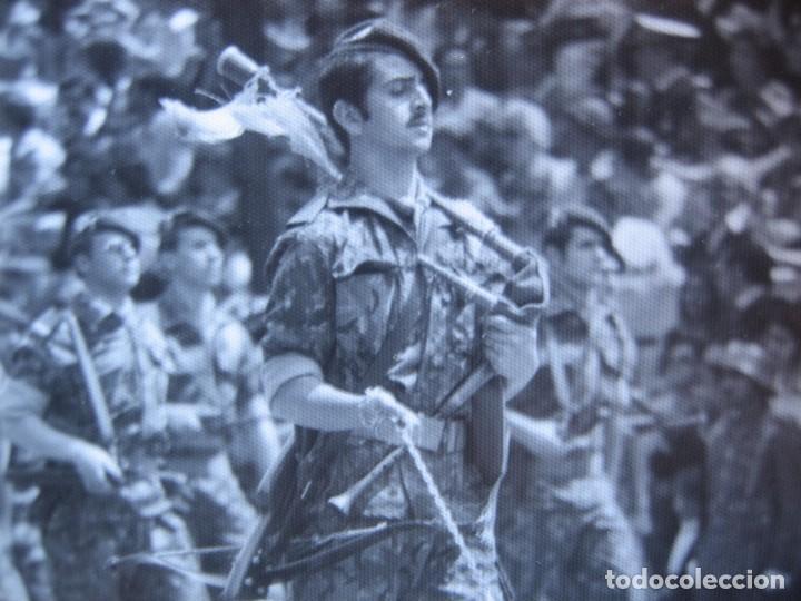 Militaria: Fotografía guerrillero COES. Desfile de la Victoria Madrid - Foto 3 - 82228052