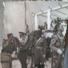 Militaria: FOTO JURA DE BANDERA AÑOS 60. Lote 82742727