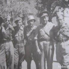 Militaria: FOTOGRAFÍA OFICIALES DEL EJÉRCITO NACIONAL. ESTACIÓN DE CÓRDOBA 1938. Lote 86202936
