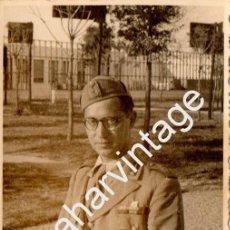 Militaria: RARA FOTOGRAFIA DE UN MILITAR DE SANIDAD, PROBABLEMENTE ITALIANO,1941.85X135MM. Lote 86297480