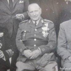 Militaria: FOTOGRAFÍA TENIENTE GENERAL DEL EJÉRCITO ESPAÑOL. MEDALLA MÉRITO MILITAR INDIVIDUAL. Lote 86575996