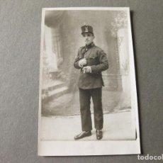 Militaria: FOTOGRAFIA POSTAL DE UN SOLDADO DE INTENDENCIA DE LA EPOCA DE ALFONSO XIII. Lote 86647152