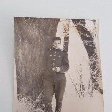 Militaria: FOTOGRAFÍA SOLDADO RUSO FUMANDO. Lote 87167992