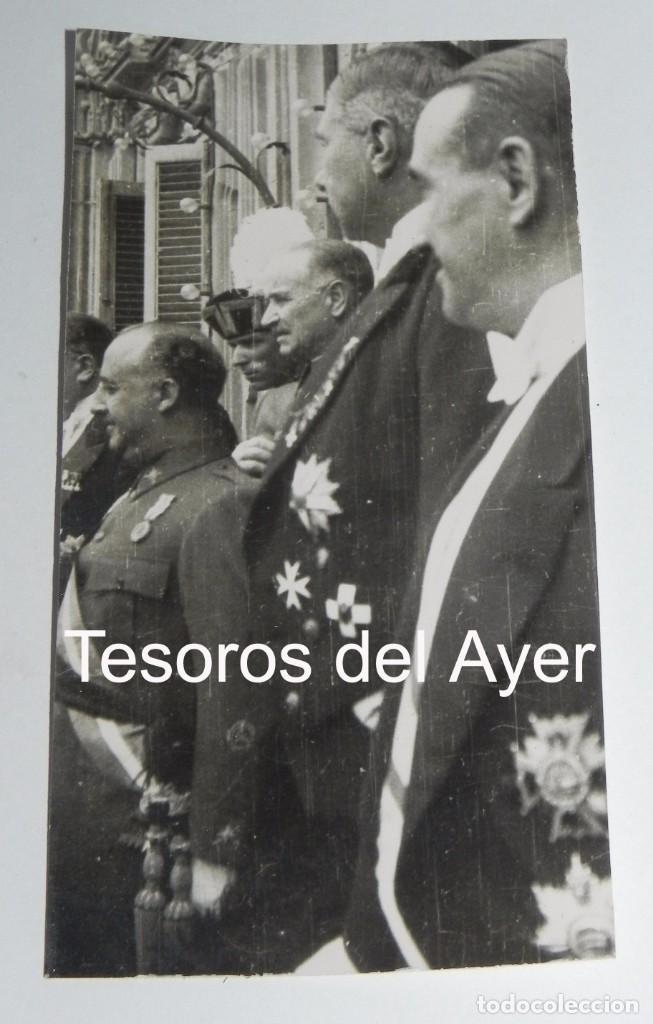 FOTOGRAFIA DE FRANCISCO FRANCO CON EL CUERPO DIPLOMATICO ALEMAN, EMBAJADOR FAUPEL, 16 DE MARZO DE 19 (Militar - Fotografía Militar - Guerra Civil Española)
