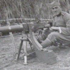 Militaria: RARISIMA FOTO ORIGINAL SOLDADO AMETRALLADORA SCHWARZLOSE M07/12 WWI PRINCIPIOS DEL SIGLO XX. Lote 87682500