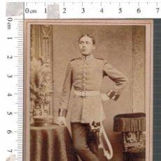 Militaria: FOTOGRAFÍA CDV MILITAR ALEMÁN BERLIN CON SABLE. Lote 88165108