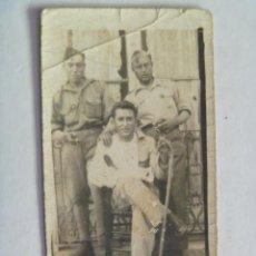 Militaria - GUERRA CIVIL : SOLDADOS O MILICIANOS NACIONALES , FALANGE. UNO HERIDO - 90028860