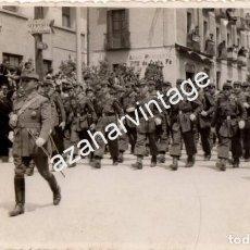Militaria: FOTOGRAFIA ANTIGUA, JACA, DESFILE MILITAR, SOLDADOS, OFICIAL, FOTO BARRIO,135X85MM. Lote 90050984