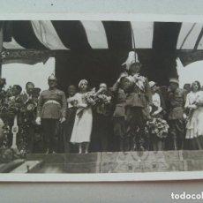Militaria: REVOLUCION DE ASTURIAS : GENERAL OCHOA CONDECORADO CON CASCO DE PLUMAS Y SABLE. Lote 92711135