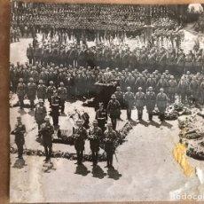 Militaria: FOTO DE HITLER ENTIERRO HINDENBURG ORIGINAL. Lote 94040089