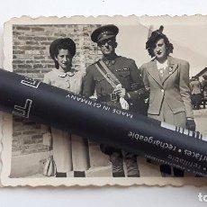 Militaria: CAPITÁN DE INGENIEROS CON SUS HIJAS. AÑO 1941.. Lote 94213550