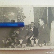 Militaria: FOTO DE ACTO DE IMPOSICION DEL FAJIN DE GENERAL , MEDALLA MILITAR INDIVIDUAL, ETC. Lote 94976127
