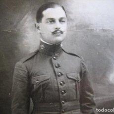Militaria: FOTOGRAFÍA ALFÉREZ DEL EJÉRCITO ESPAÑOL. REGIMIENTO INMEMORIAL DEL REY 1915. Lote 95570427