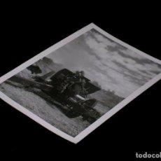 Militaria: ANTIGUA FOTOGRAFÍA ORIGINAL CAÑÓN, CAMPAMENTO MILITAR LOS CASTILLEJOS, TARRAGONA, AÑO 1953.. Lote 96717438