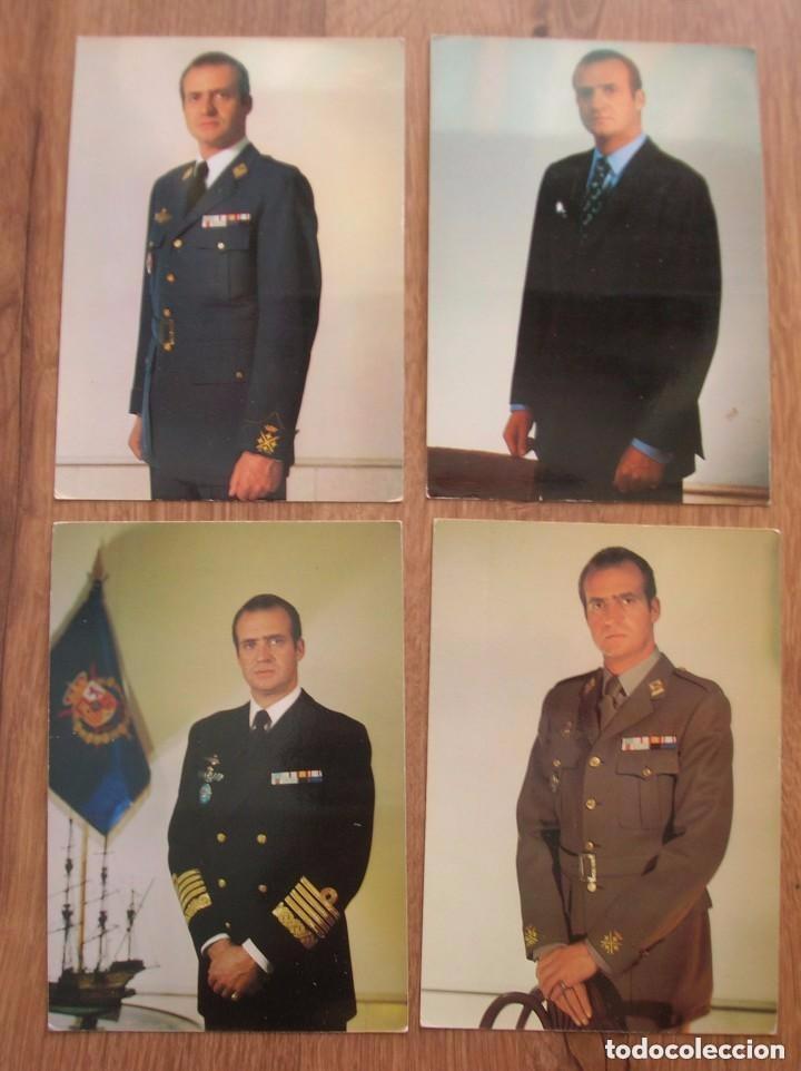 LOTE DE CUATRO FOTOGRAFIAS DEL REY DON JUAN CARLOS. EPOCA DE LA TRANSICIÓN. FORMATO POSTAL. (Militar - Fotografía Militar - Otros)