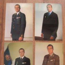 Militaria: LOTE DE CUATRO FOTOGRAFIAS DEL REY DON JUAN CARLOS. EPOCA DE LA TRANSICIÓN. FORMATO POSTAL.. Lote 97422747