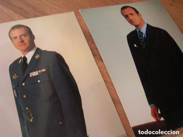 Militaria: LOTE DE CUATRO FOTOGRAFIAS DEL REY DON JUAN CARLOS. EPOCA DE LA TRANSICIÓN. FORMATO POSTAL. - Foto 5 - 97422747
