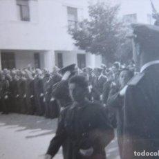 Militaria: FOTOGRAFÍA SOLDADOS AVIACIÓN. JURA DE BANDERA. Lote 97532447