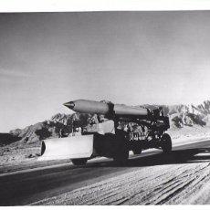 Militaria: F- 3332. PAREJA DE FOTOGRAFIAS MISILES U.S. 1975.. Lote 98446951