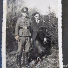 Militaria: SUBOFICIAL DE LA WEHRMACHT Y SU HERMANO MAS JOVEN. AÑOS 1939-45. Lote 99169787