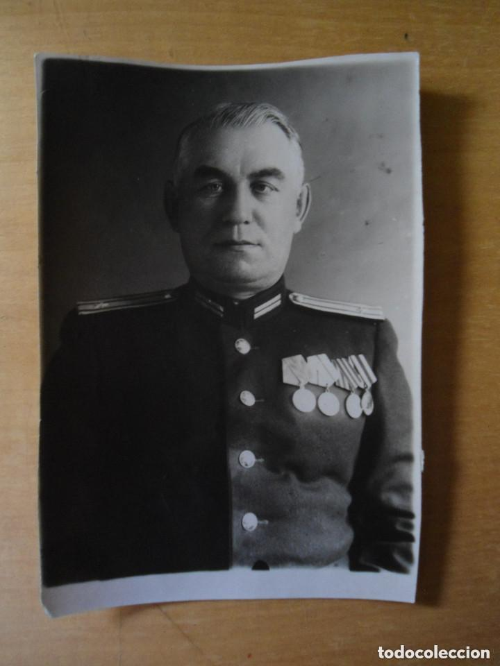ANTIGUA FOTOGRAFIA TARJETA IDENTIDAD OFICIAL RUSO - EPOCA SEGUNDA GUERRA MUNDIAL (Militar - Fotografía Militar - Otros)